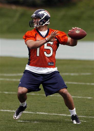 Broncos_Tebow_Debut_Football-28347_largeslideshow