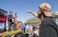Romney-hecklers