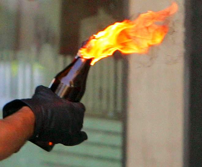 Molotov-streetfighting